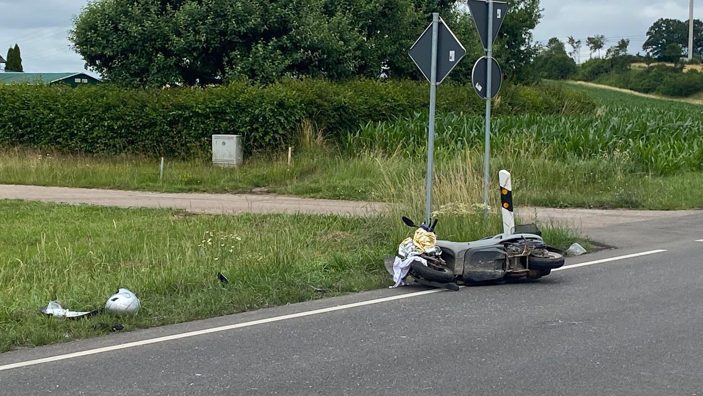 Schwerer Unfall bei Ansbach: Rollerfahrer stirbt