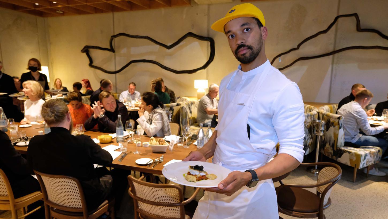 Küchenchef Henri Diagne will mit seinem Team den Gästendie französische Küche und das dazugehörende Lebensgefühl näher bringen.