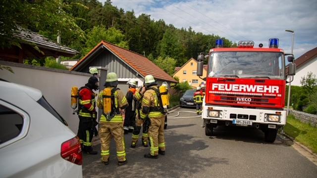 Die Feuerwehren aus Deining und Sengethal hatten die Flammen schnell unter Kontrolle.