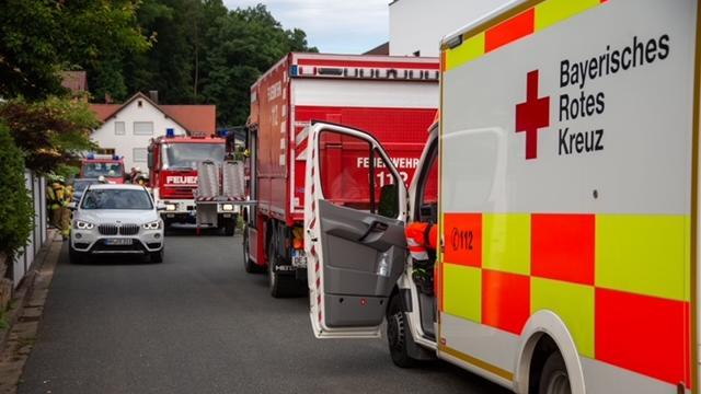 Brk; Feuerwehr und Polizei waren in Deining vor Ort.