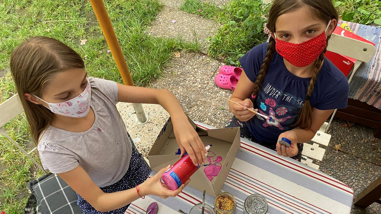 Die Ferienbetreuung im Kinderhaus Maxfeld 2020 war geprägt von der Pandemie. Maske und Abstand waren Pflicht - Spaß hatten die Kinder trotzdem. Auch 2021 gelten die Corona-Sicherheitsregeln.