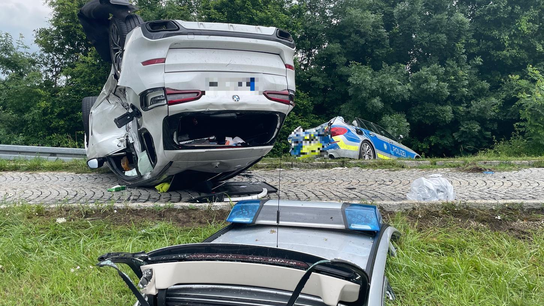 Auf der A6 kam es bei Altdorf am Donnerstag zu einem schweren Verkehrsunfall.