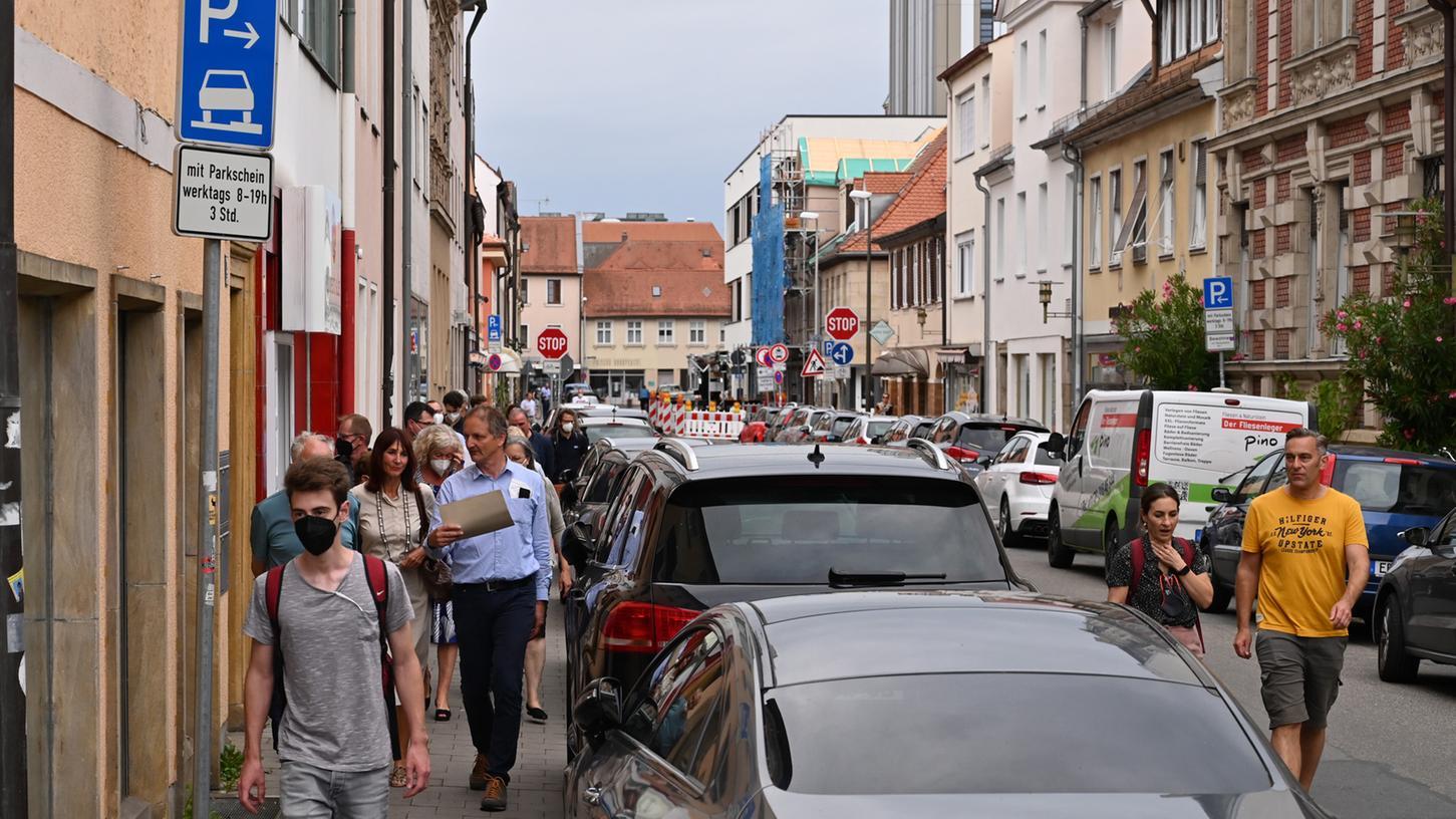 Autos raus aus der Stadt? Kein triviales Thema, wie die aktuelle Diskussion am Beispiel Obere Karlstraße zeigt.