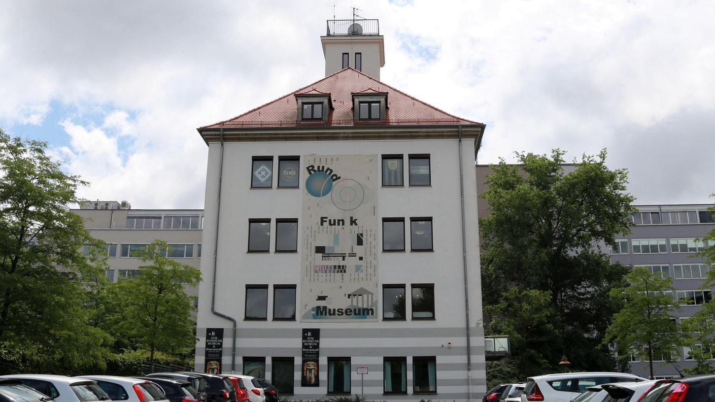 Schauplatz Kurgartenstraße: Im neuen und gründlich überarbeiteten Rundfunkmuseum soll in Zukunft das Thema Hören den Schwerpunkt der Ausstellung bilden.