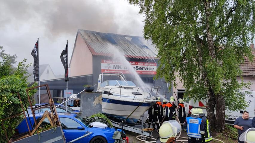 Büchenbach-Tennenlohe: Feuer im Dachstuhl
