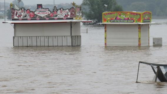 Dramatischer Einsatz in Höchstadt: 18-Jährige fast in Hochwasser ertrunken - Polizist rettet sie