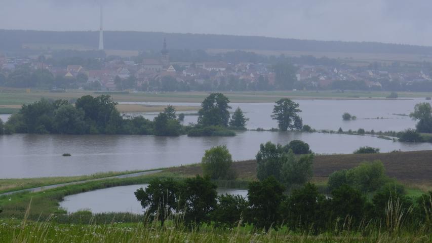 Blick Richtung Lonnerstadt vom Lauberberg