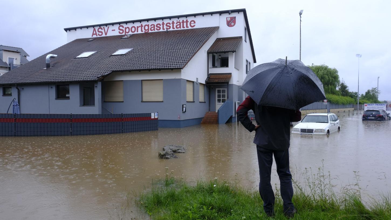 Land unter bei der Sportgaststätte vom ASV Höchstadt.