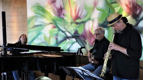 Musik wie Sekt mit Orange: Chris B. Band prickelte im Kellerhaus Pommersfelden