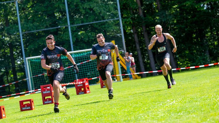 Auf dem Rasen rennen kann ja jeder. Doch hier kann man die Konkurrenten überholen, bevor es sich an den Hindernissen staut.