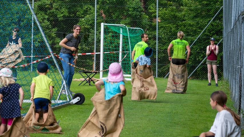 Auch die jüngsten Teilnehmer hatten ihren Spaß bei der Verfolgung ihrer Eltern.