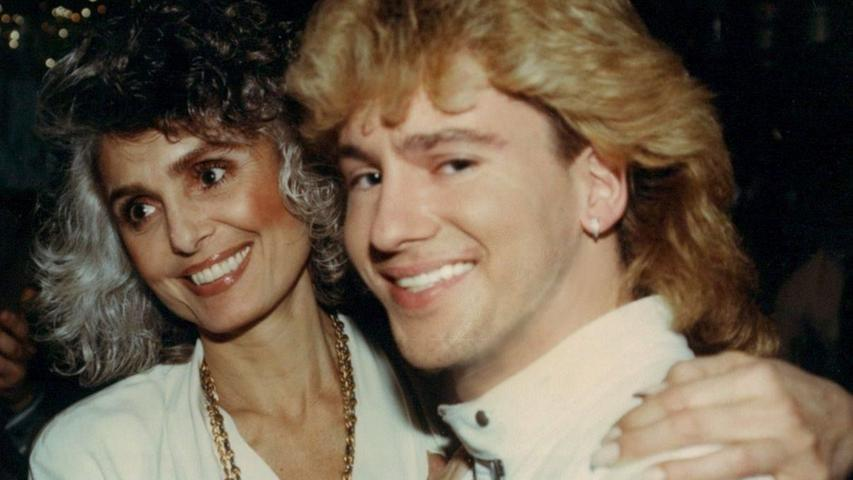 Mark Lorenz mit der israelischen Sängerin Daliah Lavi. Bei einer Veranstaltung überraschte sie ihn mit einer Offenbarung.