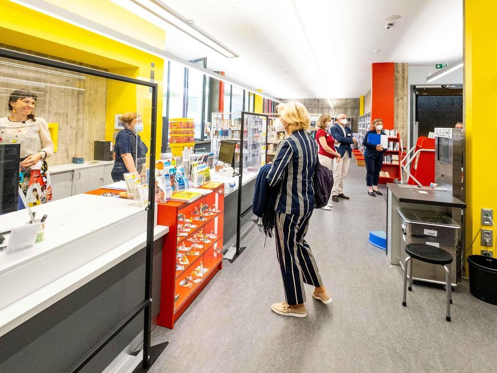 Die Stadtteilbibliothek ist ein wichtiger Bestandteil des Gemeinschaftshauses. Auch sie wurde überarbeitet und bietet nun mehr Service und eine bessere Übersicht.