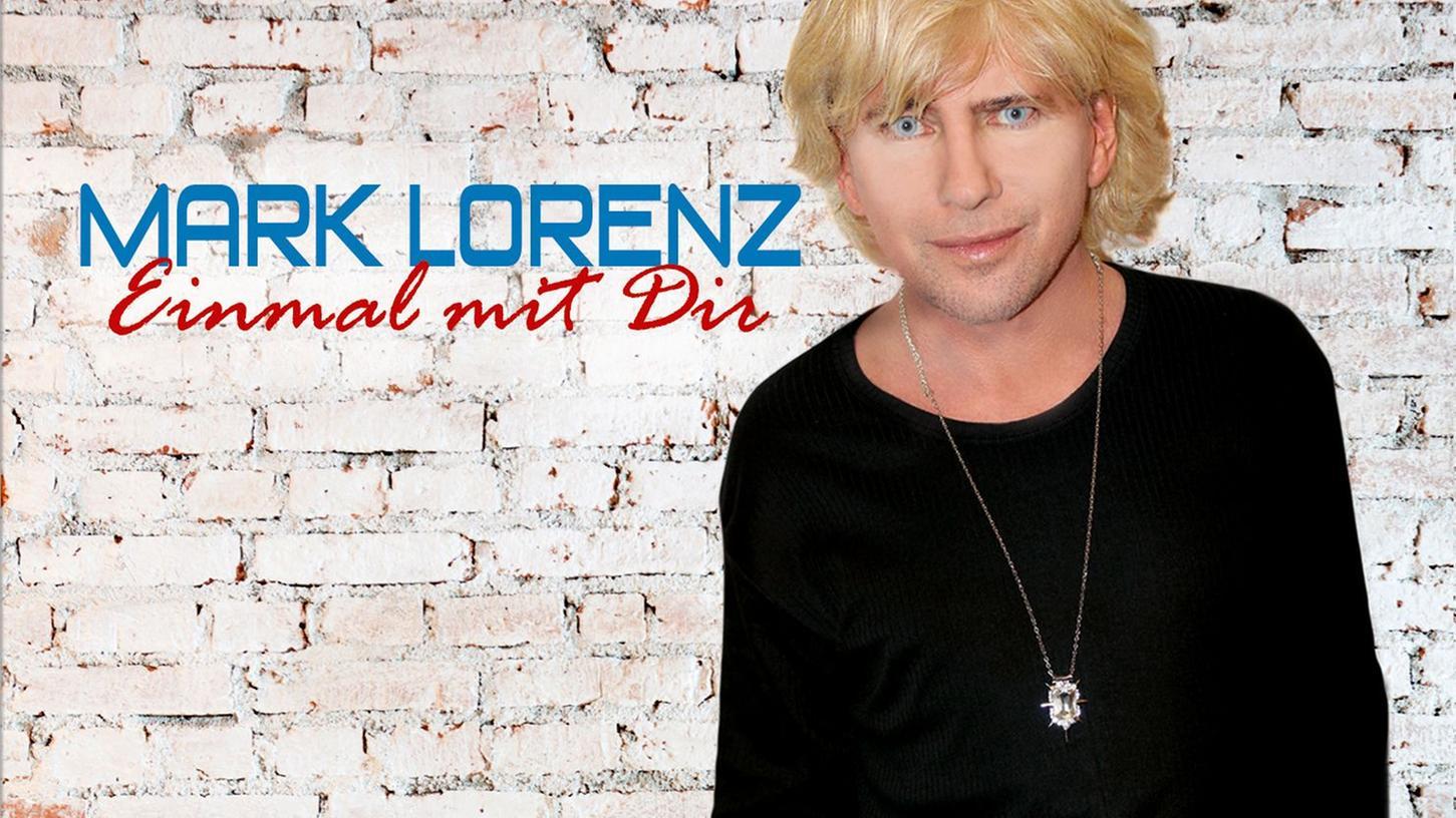 Blonde Haare und extrem blaue Augen sind das Markenzeichen von Mark Lorenz. Die Single