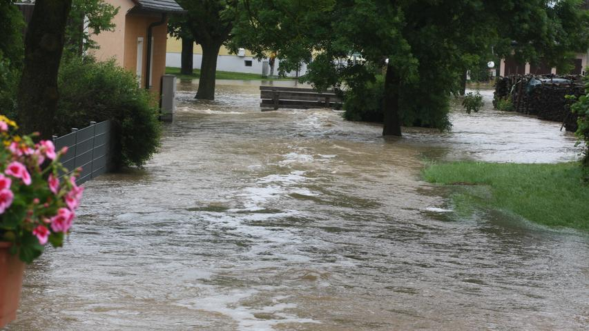 Ein Großteil von Unterntief stand am Freitag unter Wasser.