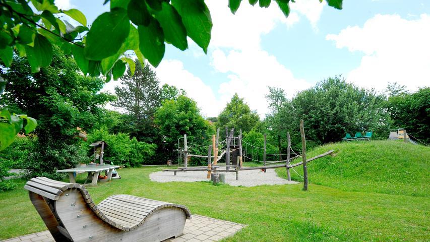 Ressort: Lokales - Forchheim....Datum: 29.06.2021....Foto: Athina Tsimplostefanaki....Hiltpoltstein..Hiltpoltstein..Ortsmitten-Serie: Spielplatz