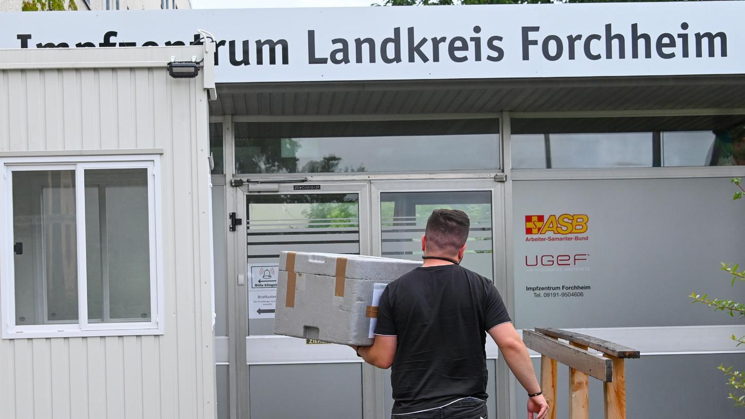 Das Impfzentrum Forchheim erhält gerade eine neue Impfstofflieferung.