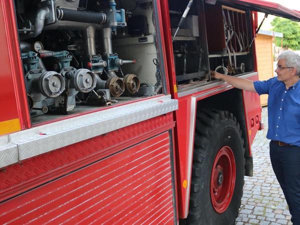 Der Wassertank des 16,5-Tonners fasst 3500 Liter. Damit ist Haberland in seinem Heimatort sogar bei der örtlichen Feuerwehr aktiv.