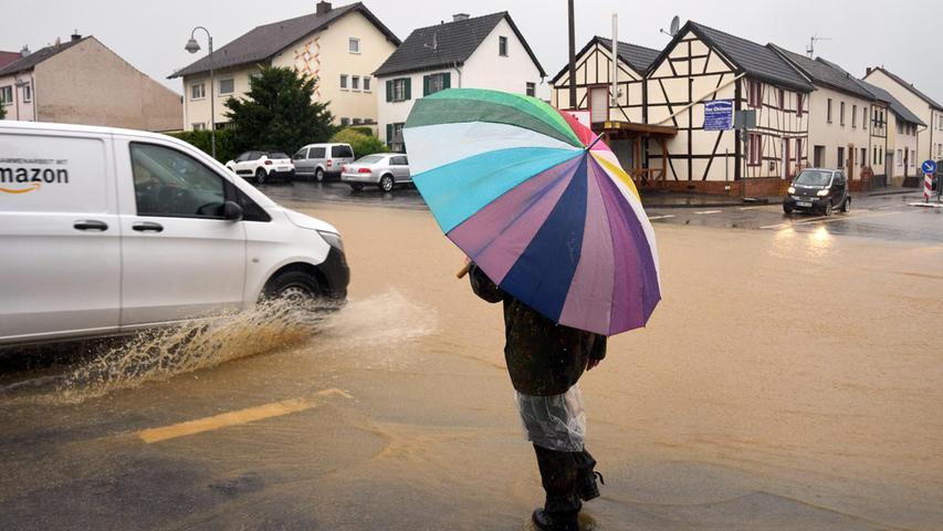 Der Ortskern von Gelsdorf (Kreis Ahrweiler)ist nach dem Starkregen überflutet.
