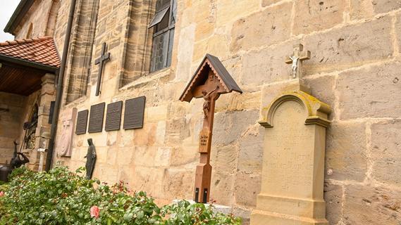 Effeltrich: Das Rätsel auf dem Friedhof