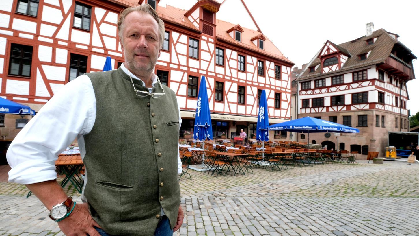 Gerhard Rippel ist einer der drei Pächter und freut sich, das Traditionslokal unweit des Dürer-Hauses endlich wieder für Gästeeröffnen zu können.