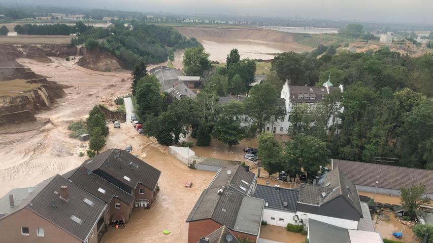 Mehrere Tote und etliche Vermisste: Schwere Überflutungen in der Eifel