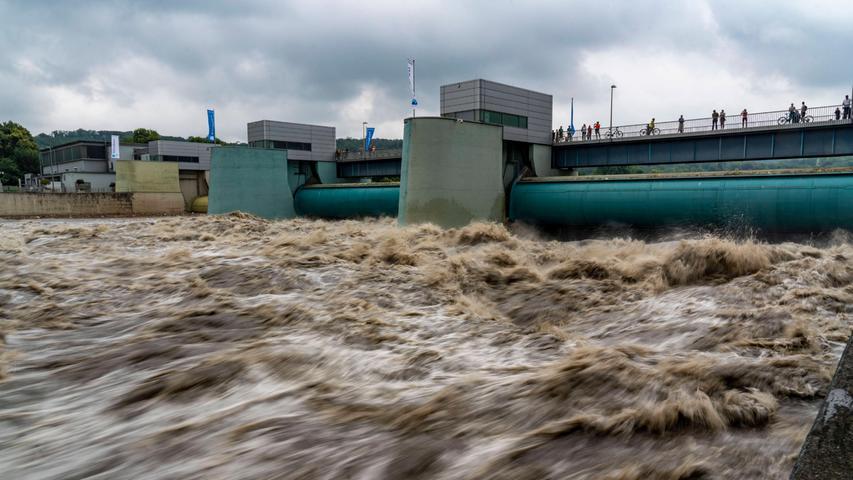 Ruhrgebiet kämpft mit Hochwasser