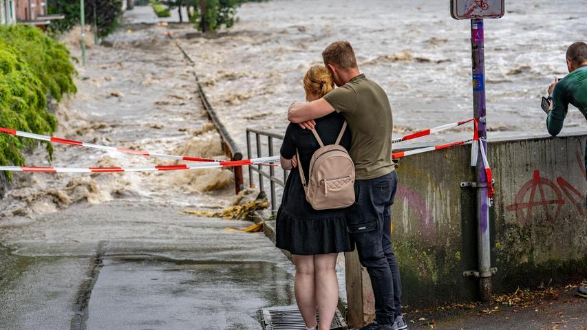 Straßen und Häuser wurden geflutet.