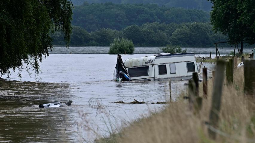 In Mülheim an der Ruhr wurden Straßen und Campingplätze überschwemmt.
