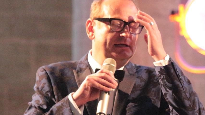 Volker Heißmann musste sich bei seinen Geschichten mitunter ans eigene Hirn fassen.