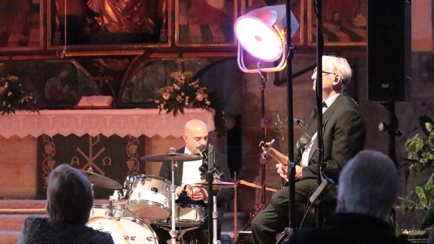 Im Scheinwerferlicht: Schlagzeuger Thorsten Seidl und Bassist Udo Schwendler.