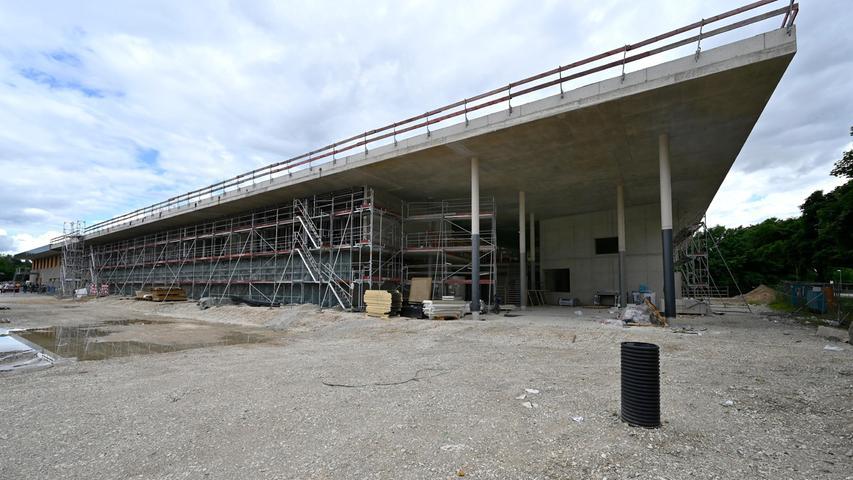 Einst war hier nur ein Riesenschotterplatz. Jetzt entstehtdas größte Sport- und Begegnungszentrum (BBGZ) der Stadt.