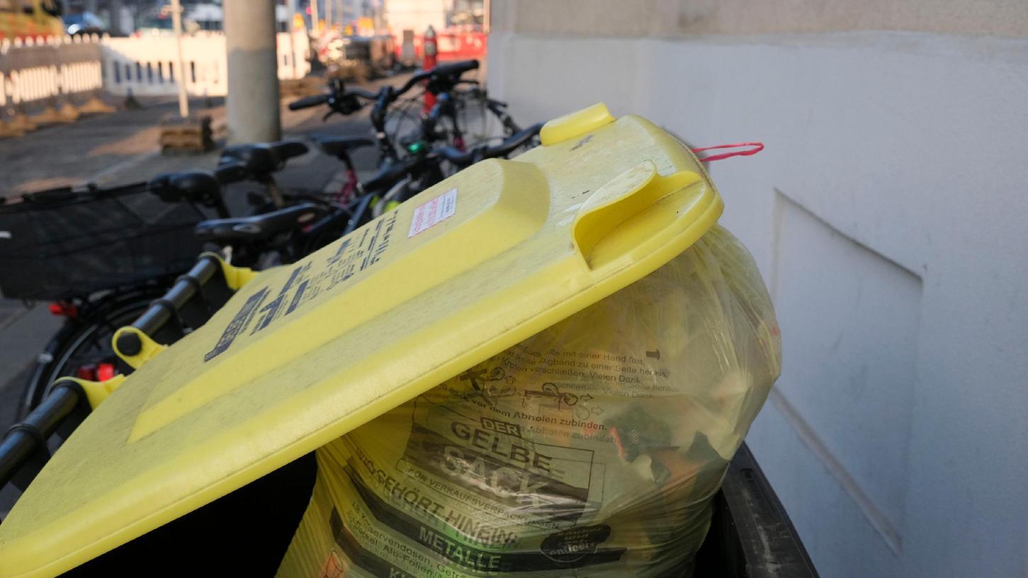 Was tun, wenn die gelbe Tonne plötzlich weg ist? In Nürnberg ist die Firma Hofmann zuständig, die für Ersatz sorgen muss.
