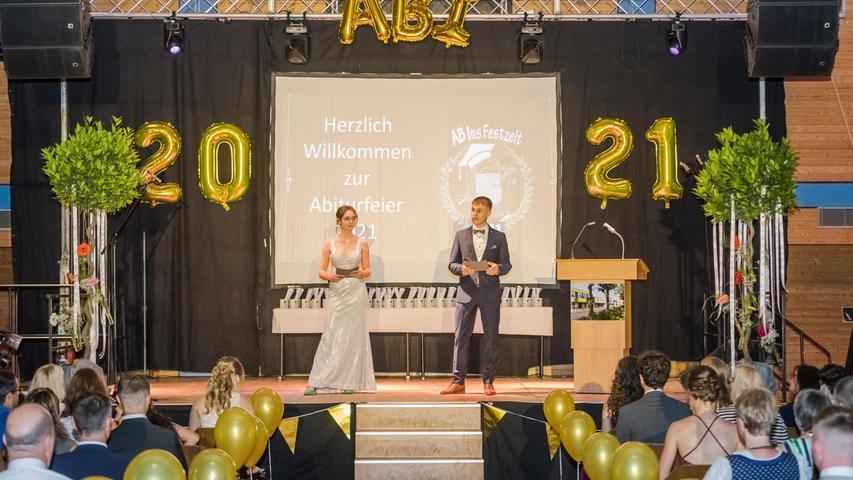Motiv: Abiturfeier, Entlassung Abiturienten Gymnasium Höchstadt 2021  Foto: Thomas Welker