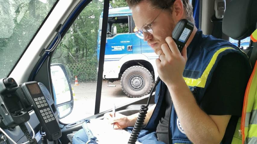 Moritz Korn vom THW-Ortsverband Schwabach ist derzeit im vom Hochwasser besonders getroffenenStolberg in Nordrhein-Westfalen im Einsatz.