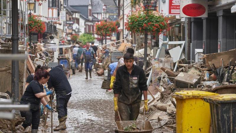 Hochwasserkatastrophe in Ahrweiler - mindestens 110 Menschen tot