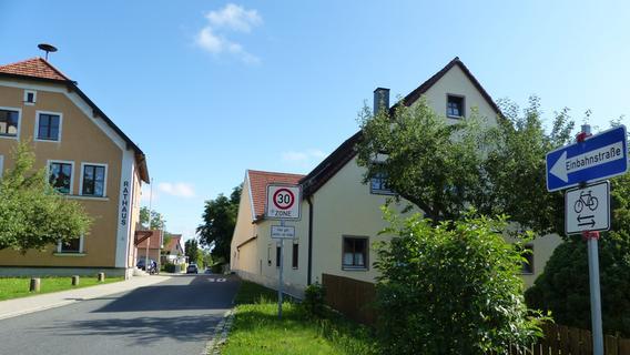 Unechte Einbahnstraße am Berngauer Kindergarten