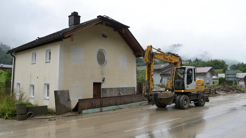 Bundesfinanzminister Olaf Scholz (SPD) hatte schnelle Hilfe des Bundes für die Flutopfer in Deutschland versprochen. Man orientiere sich bei den Soforthilfen an der letzten Flut, also an etwa 400 Millionen Euro.