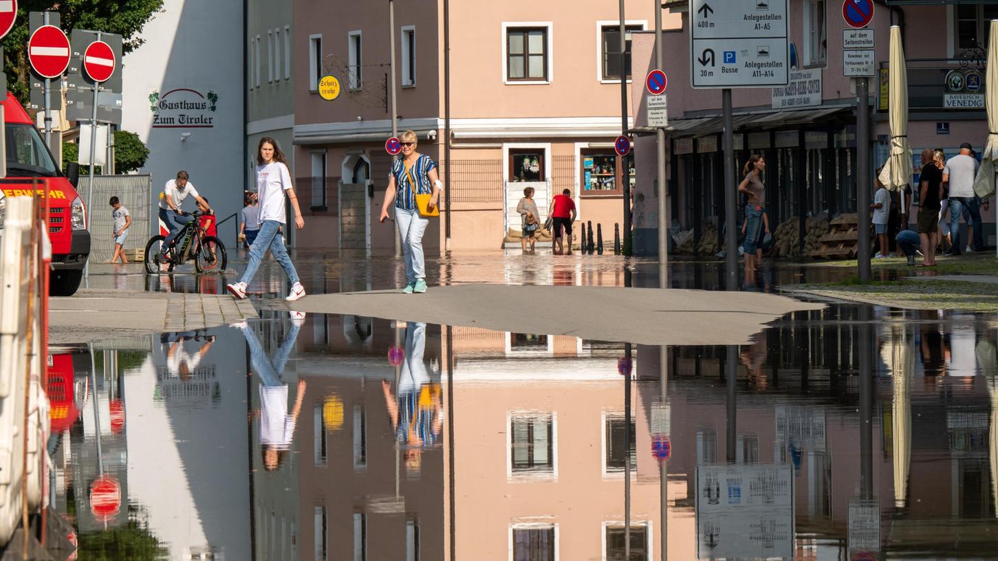 Hochwasser in Süddeutschland: In Passau hat sich derPegelstand bei über acht Metern stabilisiert.
