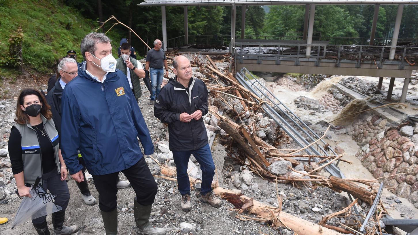 Die Unwetter haben auch in weiten Teilen Frankens und in Oberbayern gewütet. Ministerpräsident Markus Söder (CSU) verspricht schnelle Hilfe. Jetzt will er den Klimaschutz voranbringen.