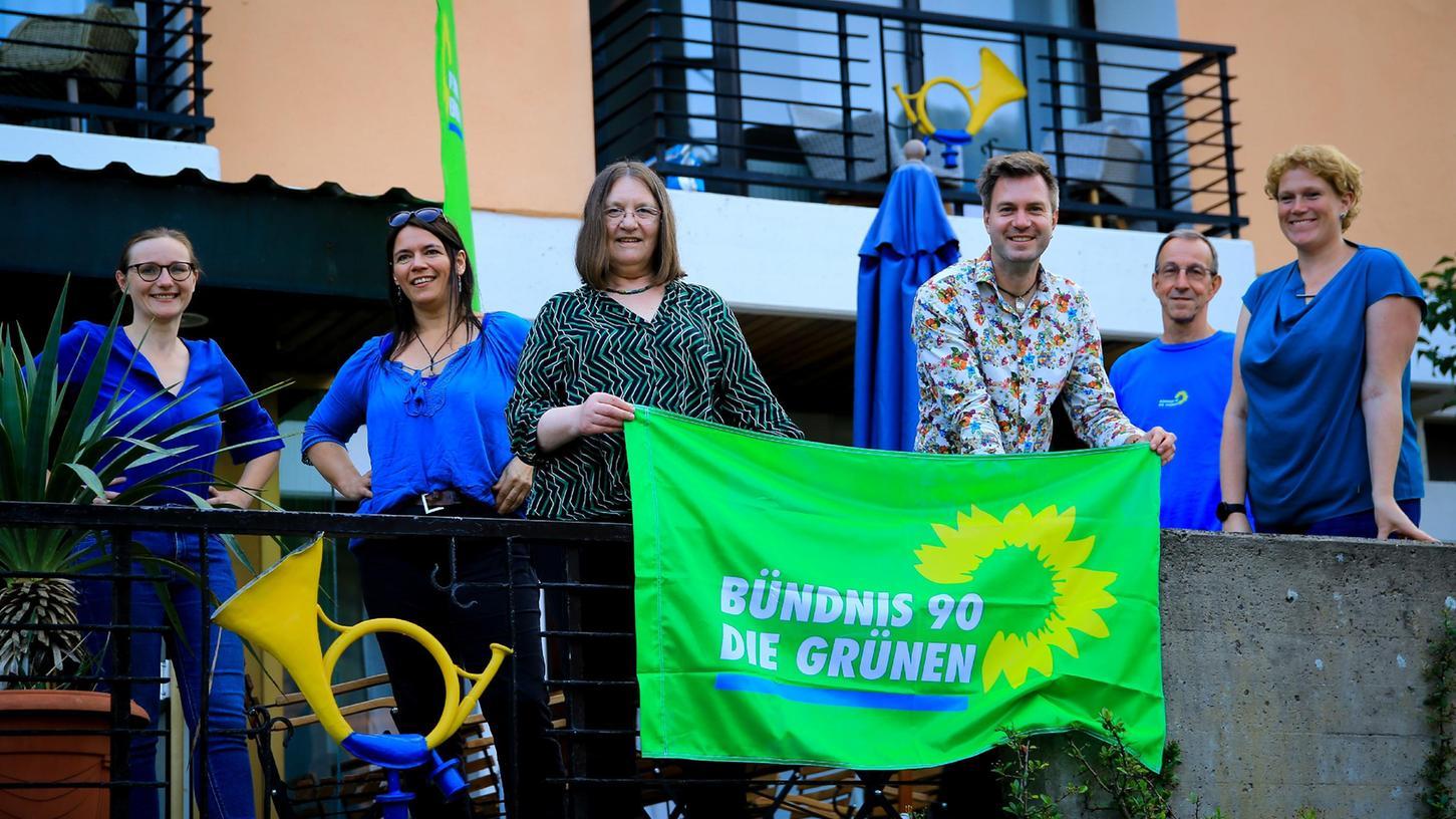 Neuer Ortsverband der Grünen Trubachtal mit Lisa Badum (li.)