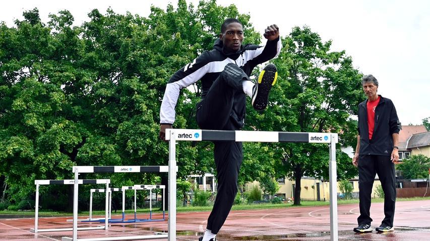 400-Meter-Hürdenläufer Creve Machava von der TS Herzogenaurach ist auch dabei. Samt TrainerPeter Müller, der mitreisen wird – als mosambikanischer Nationaltrainer.