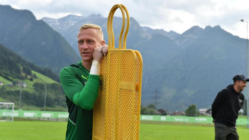 Sascha Burchert hingegen fand derweil am Trainingsplatz neue Freunde in Gelb.
