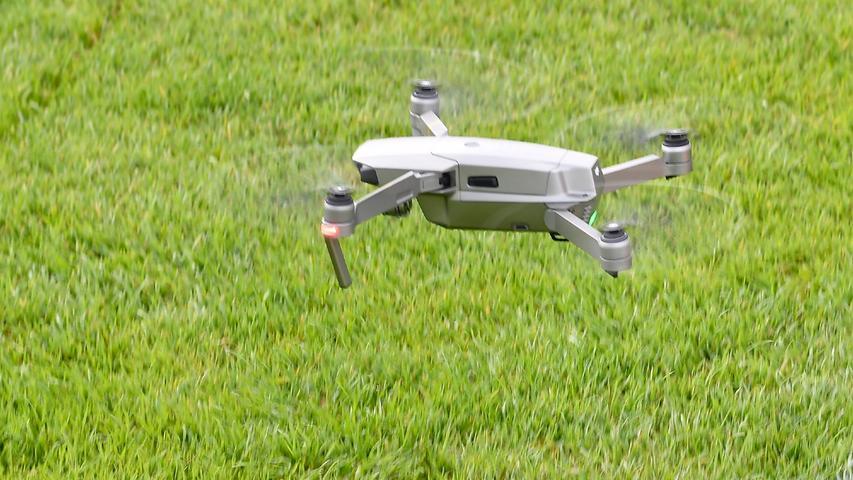 Spielanalyst Alexander Hahn filmte das Training mit seiner Drohne, um noch ein bisschen besser analysieren zu können.