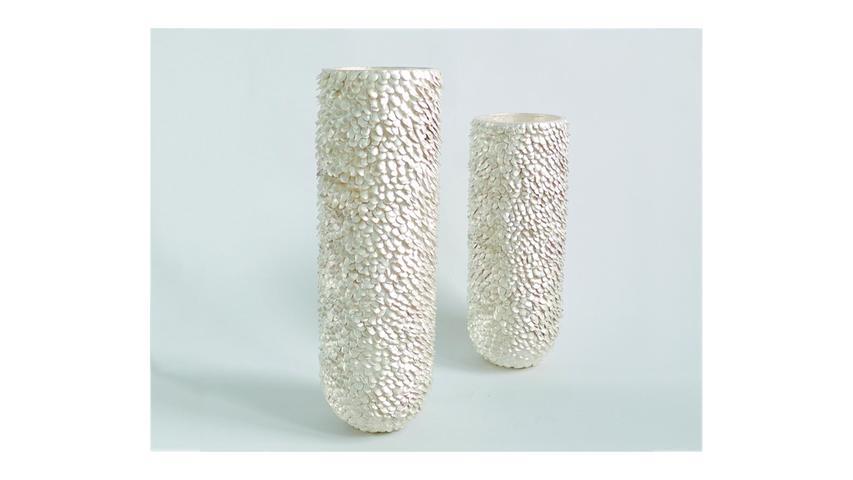 Gefäße aus Silber von Anne Fischer.