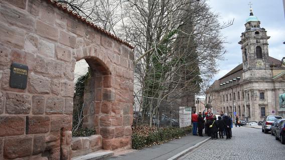 Heftiger Protest: Entsteht neben dem Pellerhaus jetzt ein Neubau?