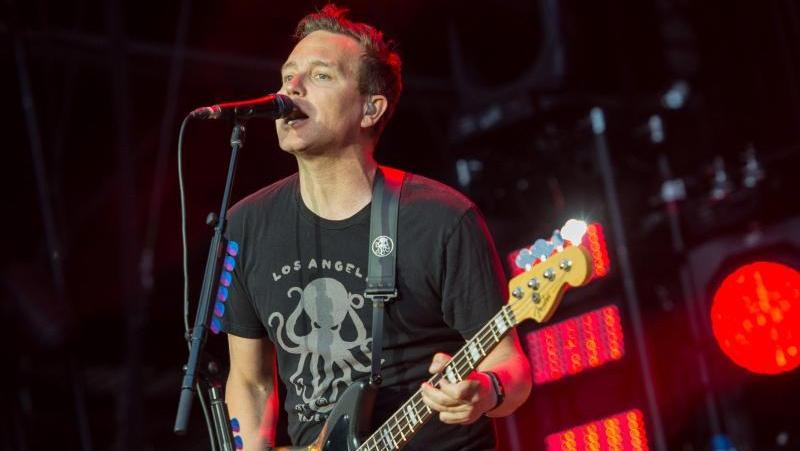 Mark Hoppus, Bassist und Sänger der Band Blink-182, beim Musikfestival Hurricane 2017.