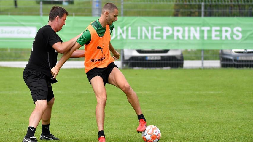 Auch Branimir Hrgota spürte die Hand des Torwarttrainers im Rücken - drehte sich und schloss ab. Meist traf er auch.