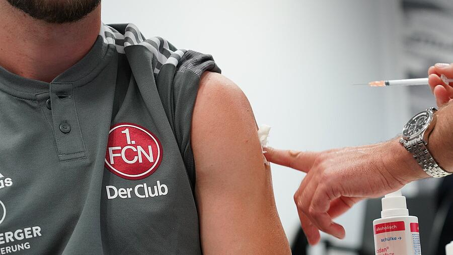 Alle Spieler des 1. FC Nürnberg sind jetzt bereits vollständig gegen Corona geimpft.