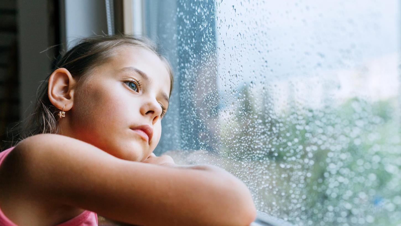 Nach den Lockerungen steigt die Zahl der Personen, die sich nach einem Kontakt mit einem Infizierten zwei Wochen isolieren müssen, Kinder trifft das immer öfter.